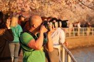 Fotograf z aparatem