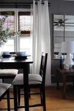 salon ze stolikiem i stołem